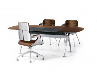 Executive Chair and Desk
