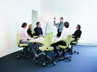 Sit Stand Meeting room chair HAG Capisco